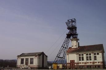 Le chevalement Rodolphe 1 et ses deux bâtiments aujourd'hui